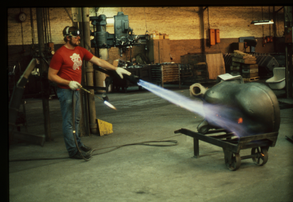Preheating Hippo for welding repair, 1988