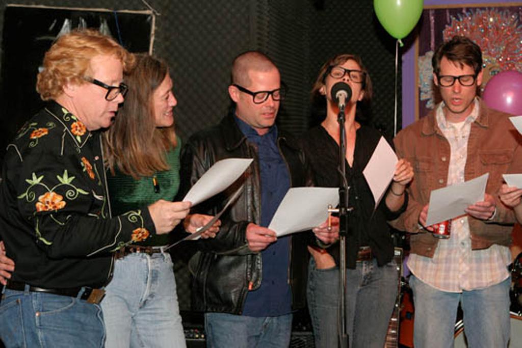 Aires Choir, singing