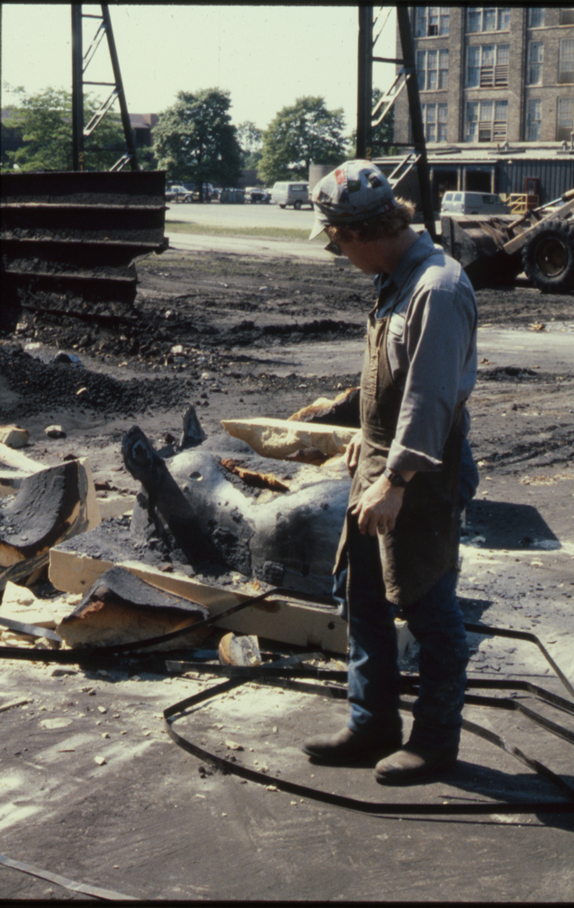Breaking the Hippo out of the mold, 1988
